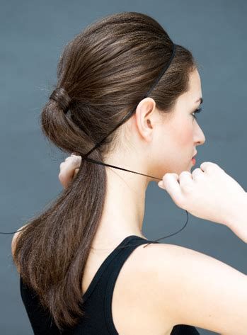 Ikat Rambut Bentuk Pita gaya rambut cantik untuk kencan pertama anda model