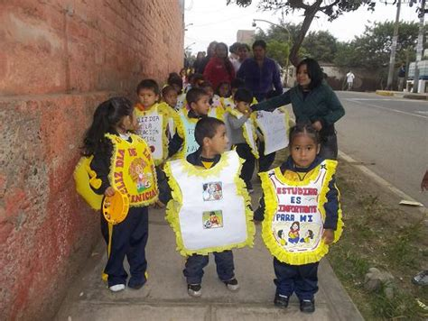 paseo de pancartas por el aniversario de educacion inicial mis primeras experiencias 161 celebrando la semana de la