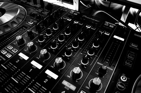 best dj equipment the best dj equipment for beginners insure4music