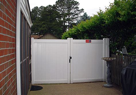 12 Foot Vinyl Gate by Rainier Privacy Fence Vinyl Privacy Fencing Vinyl Fence