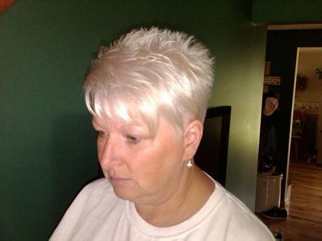 imsges of spiked sort hair parted in middle short spikey hairstyles for women over 50