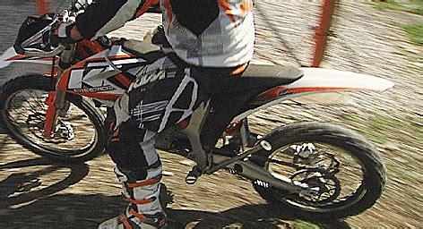 Ktm Motorrad Umsatz by Umsatzrekord Bei Ktm Als Jobmotor Salzburg Orf At