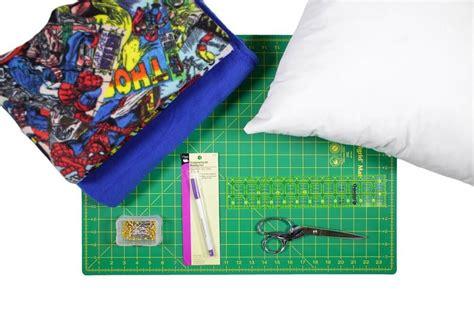 how to make a no sew fleece pillow ofs maker s mill