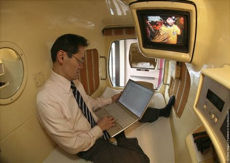 chill out capsule hotel in japan 6 pic