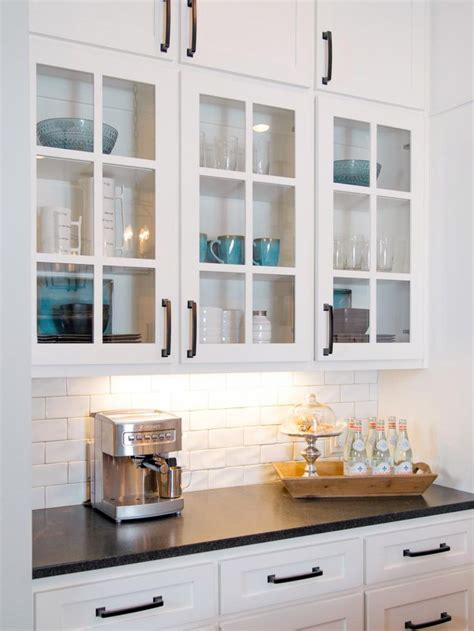 cabinet hardware for white cabinets best 25 kitchen cabinet hardware ideas on pinterest