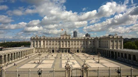 turisti per caso madrid palazzo reale di madrid viaggi vacanze e turismo
