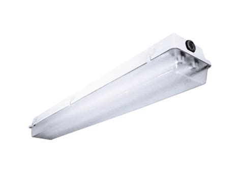 Columbia Light Fixtures 4 Enclosed Gasketed Weatherproof Fluorescent Fixture For Two F32t8 Ls Lun4 232 Eu Bulbs