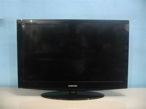 samsung 32 inch lcd used furniture for sale