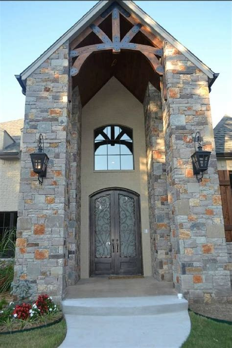 Best Height For An Outdoor Lantern On A 2 Story Front Porch Front Porch Chandelier