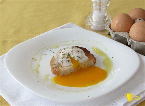 cucinare a microonde uova in camicia al microonde
