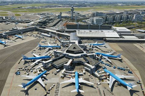 amsterdam schiphol schiphol airport s savvy design shows flying can actually