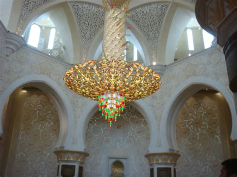 largest chandelier the world s chandelier the world s