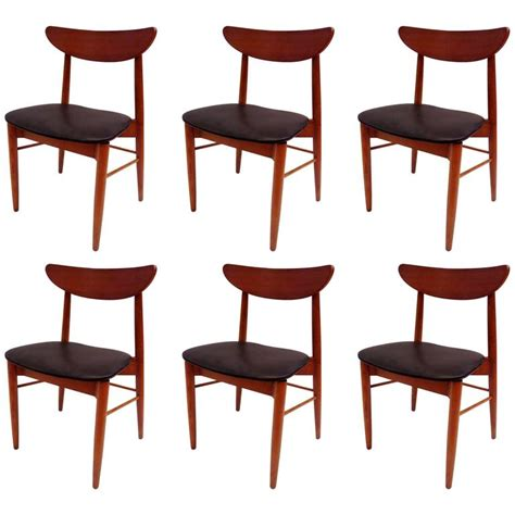 Classic Mid Century Danish Modern Set Of Six Curved Back Modern Classic Dining Chairs