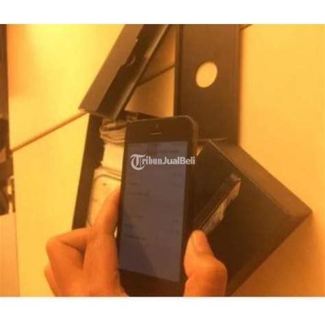 Headset Di Ibox Handphone Apple Iphone 5 Black 16gb Garansi Ex Ibox Second