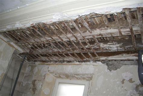 d 233 coration de la maison reparer un plafond en bacula