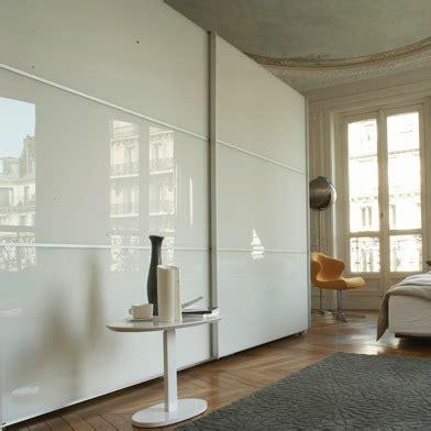 Délicieux Chambre Blanc Et Taupe #3: Armoire-design-à-ports-coulissantes-Ligne-Roset-201201181233418l.jpg