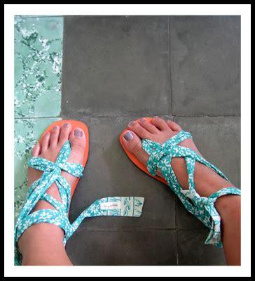 Aigner Batik Tali Kulit Biru Tua ini lila alas kaki