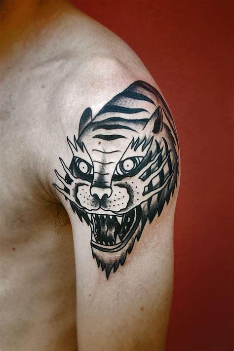 electric tattoo eye eye of the tiger 183 electric tattoo 183 santana 183 old black