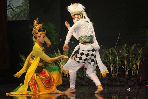 tari kethek ogleng tarian tradisional  jawa timur