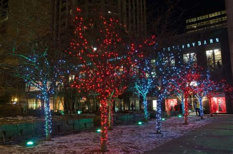 bloor yorkville holiday magic christmas light displays