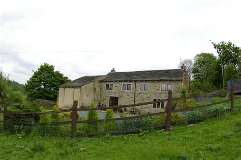 3 bedroom houses for rent in halifax 3 bedroom detached house to rent in lower clay royd farm