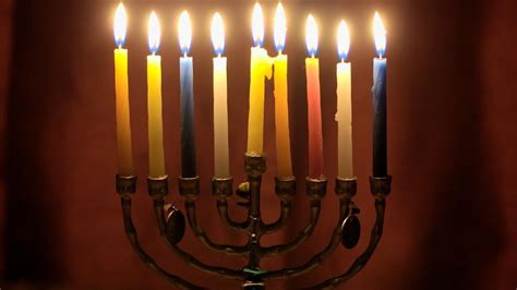jewish festival of lights happy hanukkah 2017 what is the story behind the jewish