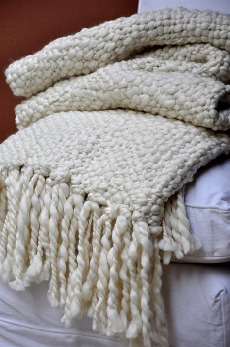 knitted throw blankets buy chunky cable knit throw blanket homelosophy