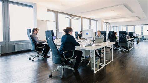 office chairs   ergonomic comfortable avoid  pain awk