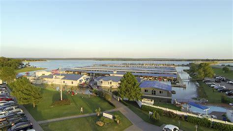 joe pool lake boat rentals lynn creek marina and oasis on joe pool grand prairie texas