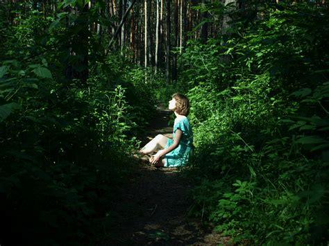 imagenes extrañas en el bosque seducci 243 n im 225 genes bellas chica y bosque arte de seducci 243 n