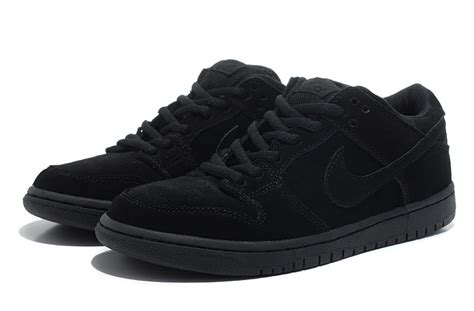 all black sneaker give your personality the look of cat with all black