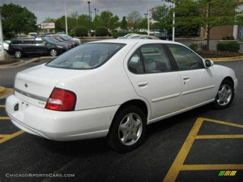 nissan white car altima 2000 nissan altima gxe in cloud white photo 4 209900