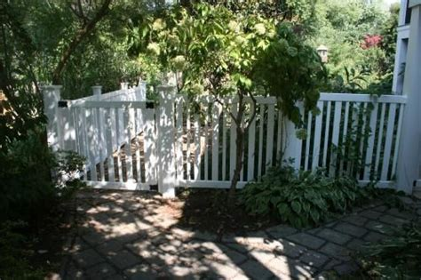 Veranda Fence by 17 Best Images About Fence On Vinyls 4 H And