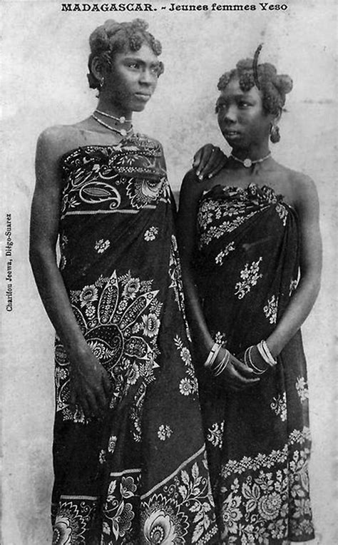 Africa | Young Veso women. Madagascar. Post stamped 1908