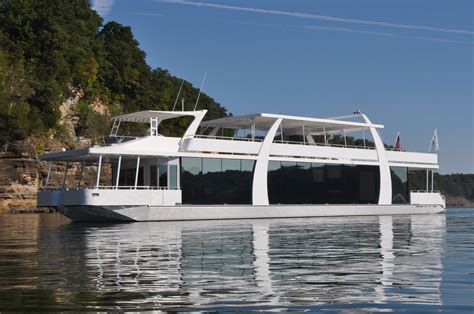 lake house boat rental 3 tips for maintaining your sanity on houseboat rentals