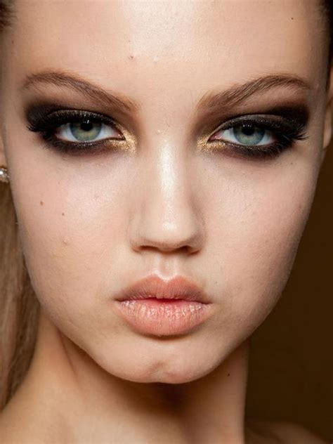 Makeup Versace 5 looks from couture week that actually work