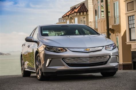 chevrolet volt chevy safety review  crash test ratings  car connection