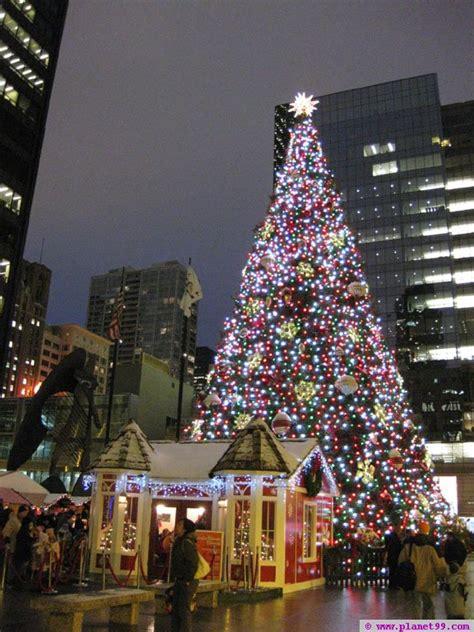 dsley plaza christmas tree chicago christkindlmarket chicago with photo via planet99