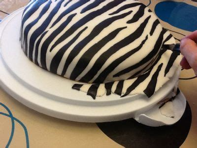 zebra pattern fondant como hacer fondant zebra tutorial de tortas pinterest