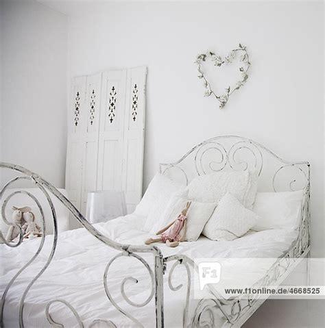 altmodisches schlafzimmer wei 223 es altmodisches bett in elegantem schlafzimmer