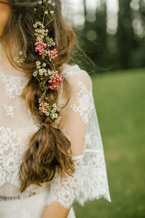 Backyard Wedding Hair 20 Gorgeous Wedding Hairstyles With Flowers Everafterguide