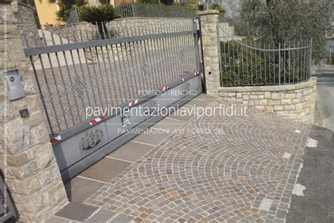 pavimento per cortili pavimenti per cortili in pietra per esterno with