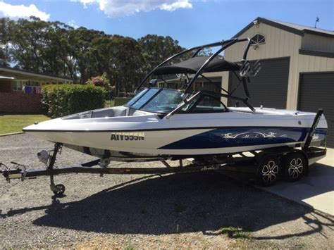 lewis boats for sale australia lewis moomba convex wake ski boat as new 12 months old 57