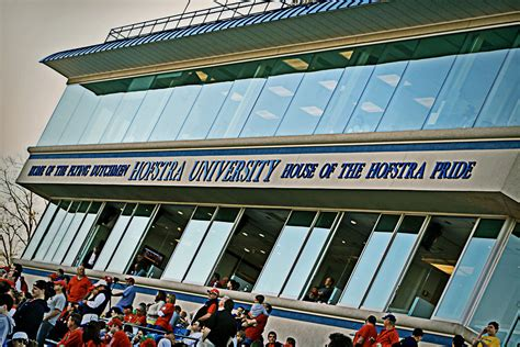 Hofstra Mba Class Profile by Hofstra Sat Scores Acceptance Rate More