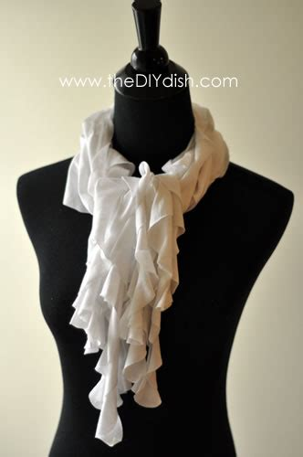 make an infinity scarf 2 more shows the how to on