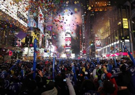 are there bathrooms in times square on nye what to expect in times square on nye 2015