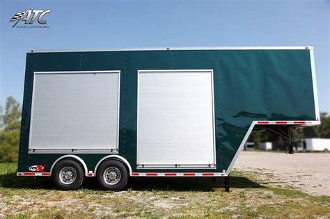 Roll Up Door Gooseneck Trailers   MO Great Dane trailers
