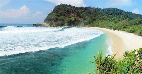 pesona keindahan wisata pantai brumbun  tulungagung