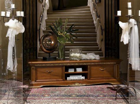 beleuchtung fã â r schrank lange tv st 228 nder in holz geschnitzt f 252 r luxus wohnzimmer