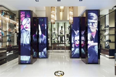 Gucci To Open Six New Stores In China In 2007 by Gucci Meets Burberry On High Tech Turf Gucci Retail And